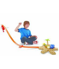 Pista-com-Crianca-Hot-Wheels---Pista-Desafio---Ataque-do-Dino---X9280