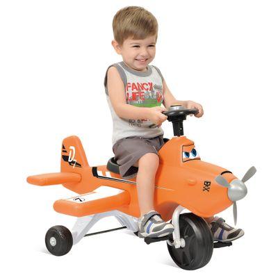 Crianca-no-Triciclo-Disney-Avioes-Dusty-Bandeirante