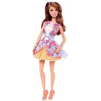 Boneca Barbie Fashionistas - Balada - Teresa com Vestido Floral - Mattel