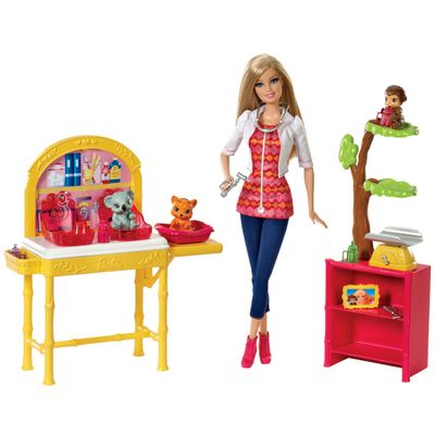 CBL19-Boneca-Barbie-Profissoes-Veterinaria-Mattel