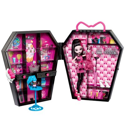 BGT61-Monster-High-Closet-da-Draculaura-Mattel