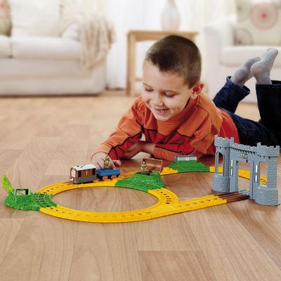 Pista Thomas e Friends Ferrovia Toby Caça ao Tesouro Fisher Price