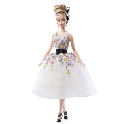 Boneca Barbie Colecionável - Serie Fashion Model - Barbie com Vestido Bordado - Mattel