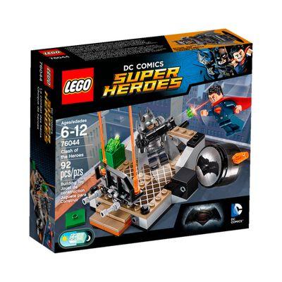 76044 - LEGO DC Super Heroes - Batman Vs Superman - A Origem da Justiça - Batalha em Gotham City