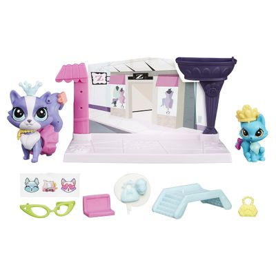 playset-e-mini-figuras-littlest-pet-shop-pet-tales-contos-da-cidade-ritzy-rococo-e-frilly-von-riches-hasbro