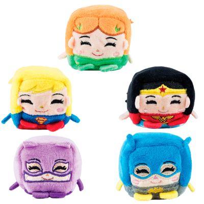 Conjunto com 5 Pelúcias - Cubomania 5 cm - DC Comics - Liga da Justiça - Batgirl - Mulher Maravilha - Supergirl - Mulher Gato e Eva Venenosa - Candide