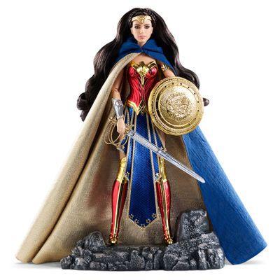 Boneca Barbie Colecionável - Batman Vs Superman - Mulher Maravilha e Acessórios - Mattel