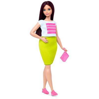 DTF01-boneca-barbie-fashionista-38-so-sporty-doll-curvy-mattel-detalhe-1