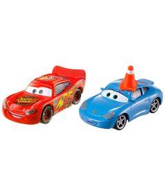 Veiculos-Hot-Wheels---Disney-Cars-2---Pack-com-2-Veiculos---Sally-com-cone-e-Relampago-McQueen---Mattel
