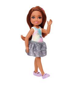 mini-boneca-familia-da-barbie-chelsea-club-morena-blusa-unicornio-mattel-100331117_Frente