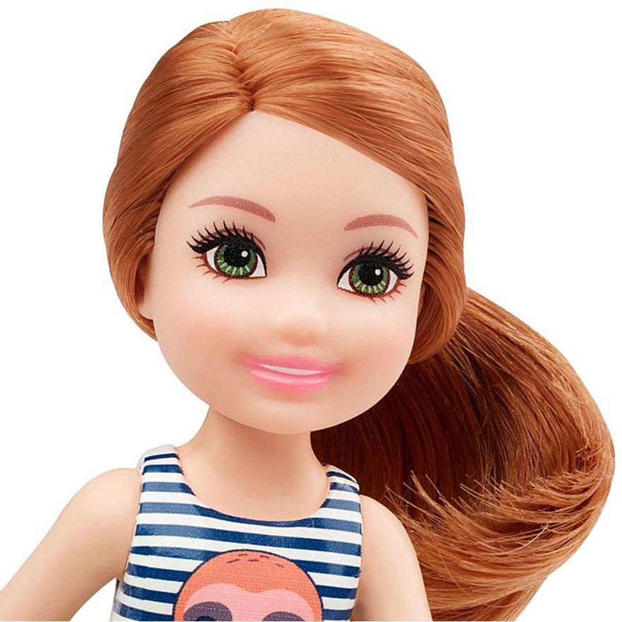 mini-boneca-familia-da-barbie-chelsea-club-ruiva-regata-listrada-mattel-100331121_Detalhe3