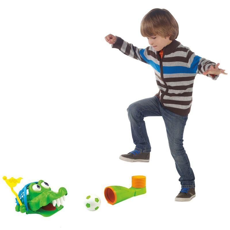cca8e96fef Jogo Gol do Jacaré - Hasbro - Ri Happy Brinquedos