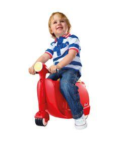 Menino-na-Scooter-Skoot-Mala-Vermelha-New-Toys