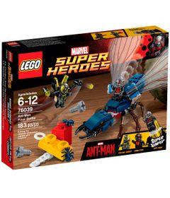 LEGO-SUPER-HEROES-COMBATE