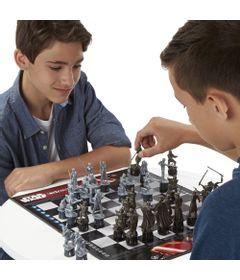100107565-B2345-jogo-de-xadrez-star-wars-hasbro-5037293