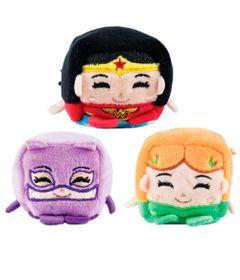 Conjunto-com-3-Pelucias---Cubomania-5-cm---DC-Comics---Liga-da-Justica---Mulher-Gato-Mulher-Maravilha-e-Eva-Venenosa---Candide