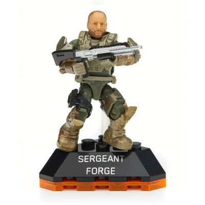 DKW59-mega-bloks-halo-figura-sergeant-forge-mattel-detalhe-1