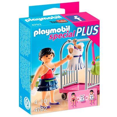 Playmobil---Especial-Plus---Modelo-com-Carrinho-de-Vestidos---4792