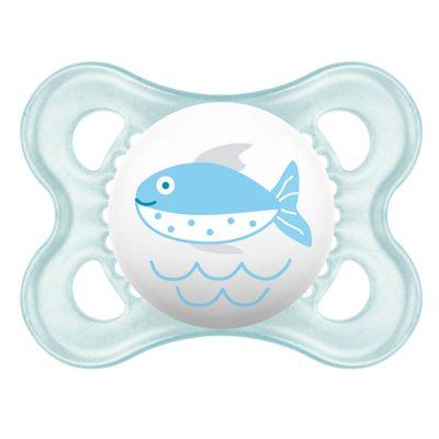 Chupeta-Ortodontica---Silk-Touch---Pearl---Boys---0-a-6-Meses---Peixe---MAM