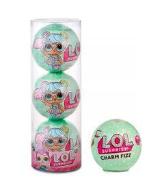 bcc8774a80 Kit de Acessórios Charm Fizz e 3 Mini Bonecas LOL - Lil Outrageous Littles  - 7 Surpresas - Candide