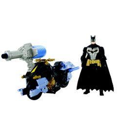 Figura-Articulada-15-Cm-e-Veiculo---DC-Comics---Batman-e-Batmoto-com-Lancador---Mattel