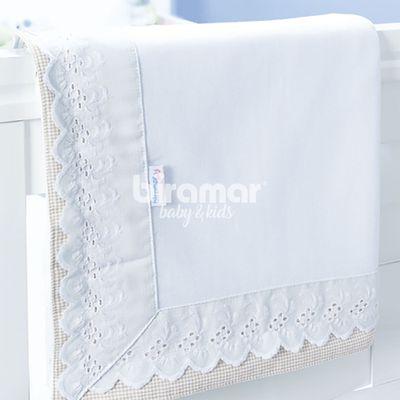 manta-de-malha-88-x-88-cm-bordado-ingles-forrada-branco-e-bege-biramar-B005409_frente