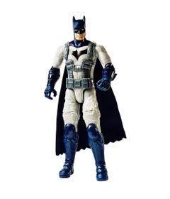 figura-de-acao-30-cm-dc-comics-liga-da-justica-batman-uniforme-branco-mattel-FVM75-FVM69_Frente