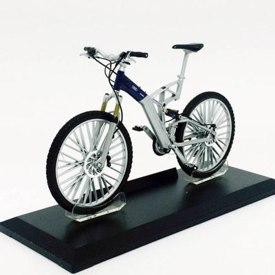 Mini-Bicicleta-Welly---Escala-1-10---Audi---California-Toys
