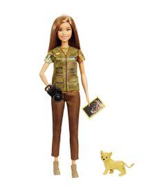 boneca-barbie-barbie-national-geographic-fotojornalista-mattel-GDM44_frente
