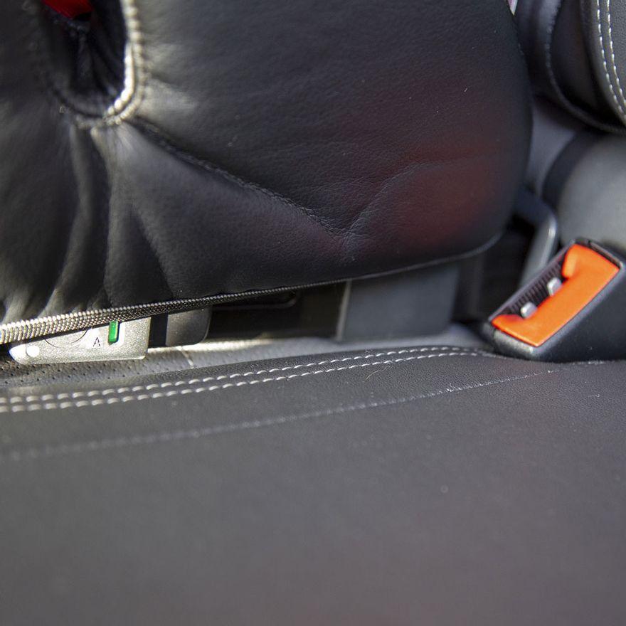 assento-para-auto-de-15-a-36-kg-booster-clicksafe-black-safety-1st-IMP01485_Detalhe10