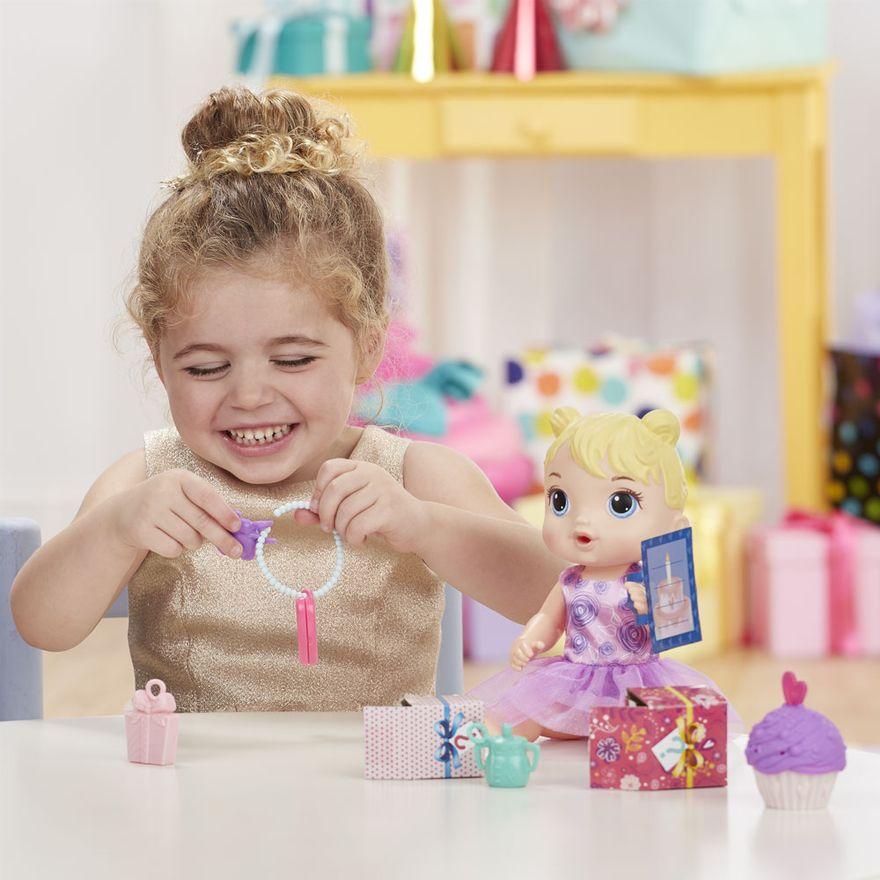 boneca-baby-alive-festa-de-presentes-loira-e8719-hasbro-E8719_Detalhe3