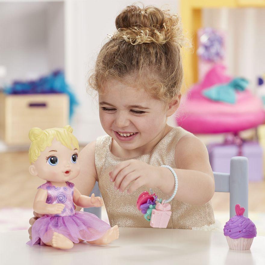 boneca-baby-alive-festa-de-presentes-loira-e8719-hasbro-E8719_Detalhe4
