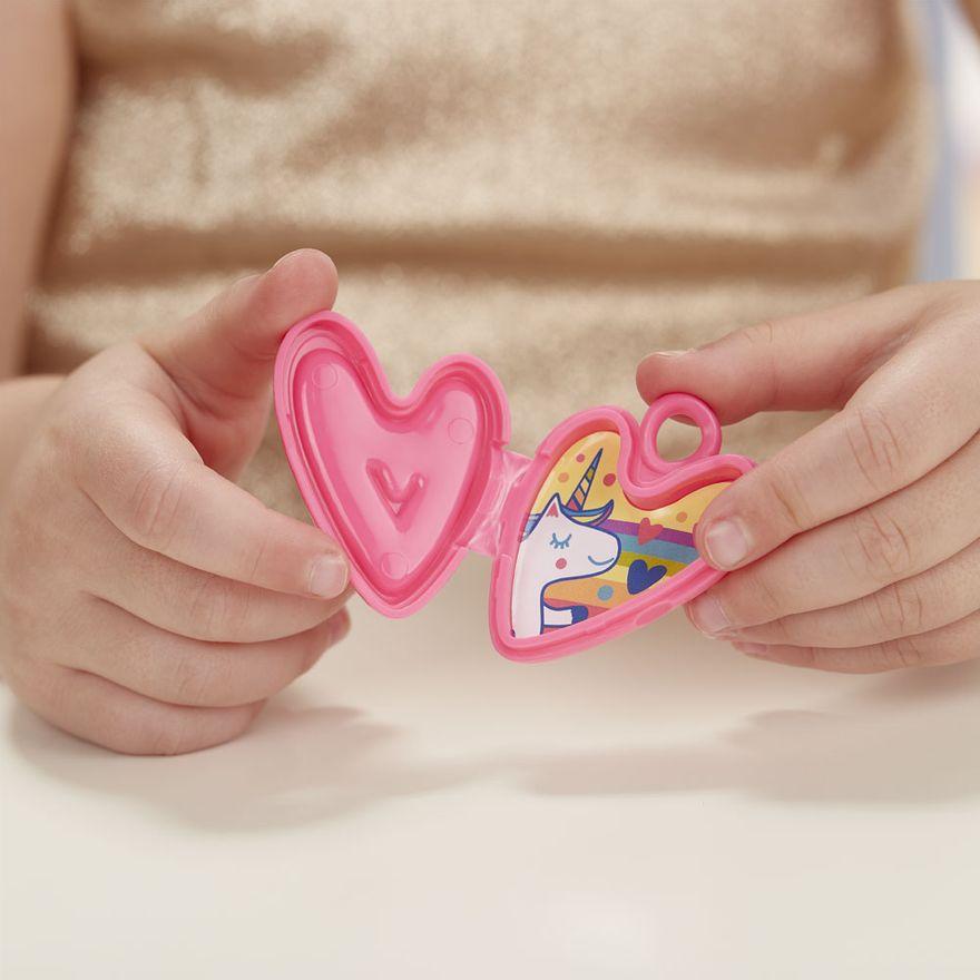boneca-baby-alive-festa-de-presentes-loira-e8719-hasbro-E8719_Detalhe5