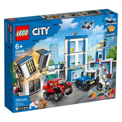 lego-city-delegacia-de-policia-60246_Frente