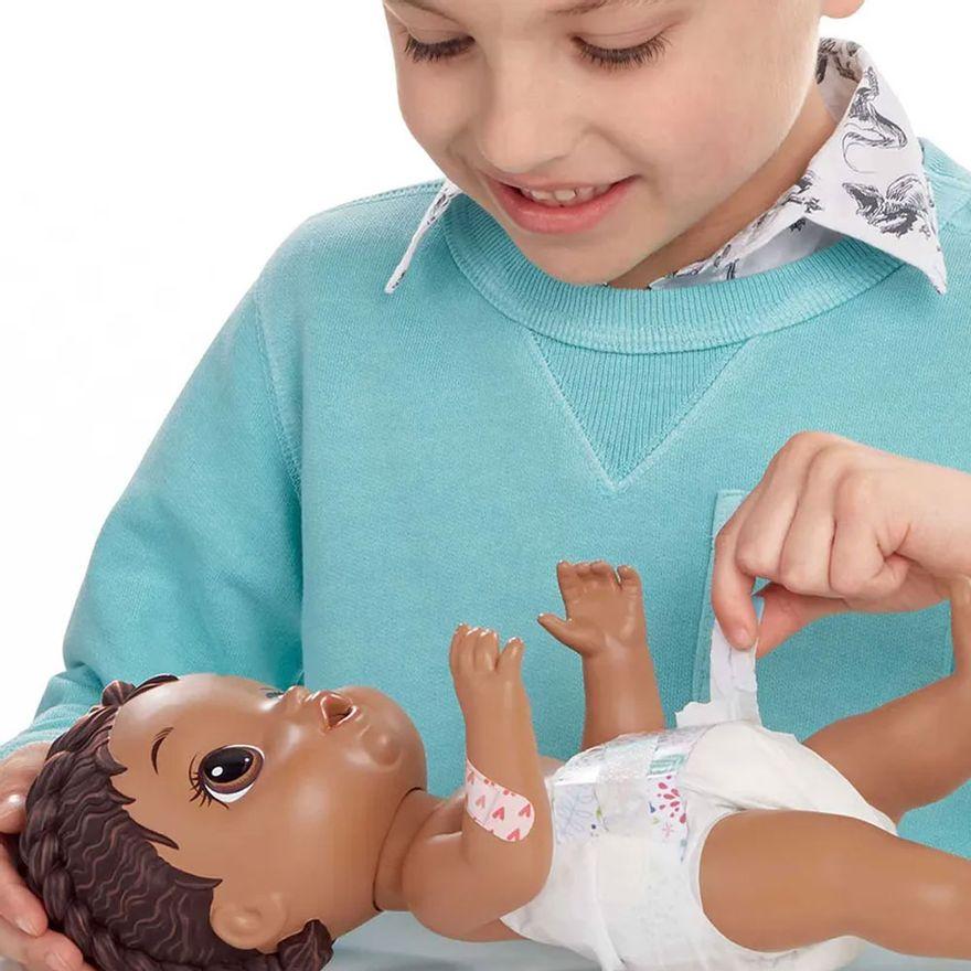boneca-baby-alive-aprendendo-a-cuidar-negra-hasbro_detalhe2