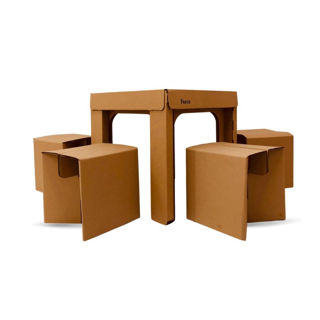 Conjunto de Mesa e 4 Bancos de Papelão - Faeco